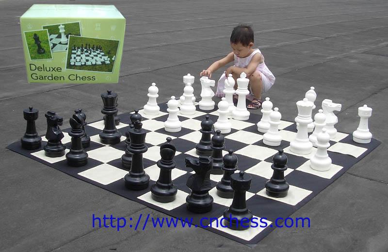 Juego de ajedrez gigante jard n al aire libre juegos de for Ajedrez gigante para jardin