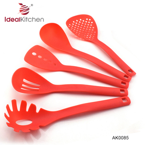 5 PCS red color Non Stick Kitchen Plastic Ware Nylon Kitchen Utensil Set