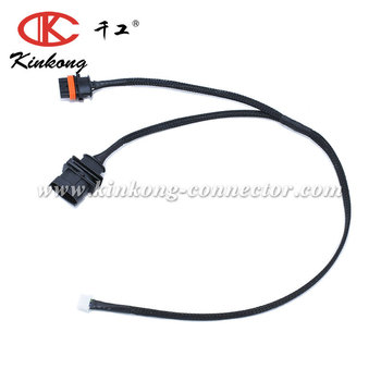 Wire harness with 4 Pin molex connector WC001