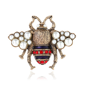 Retro Jewelry Three-dimensional Pearl Pin Lovely New Bee Brooch