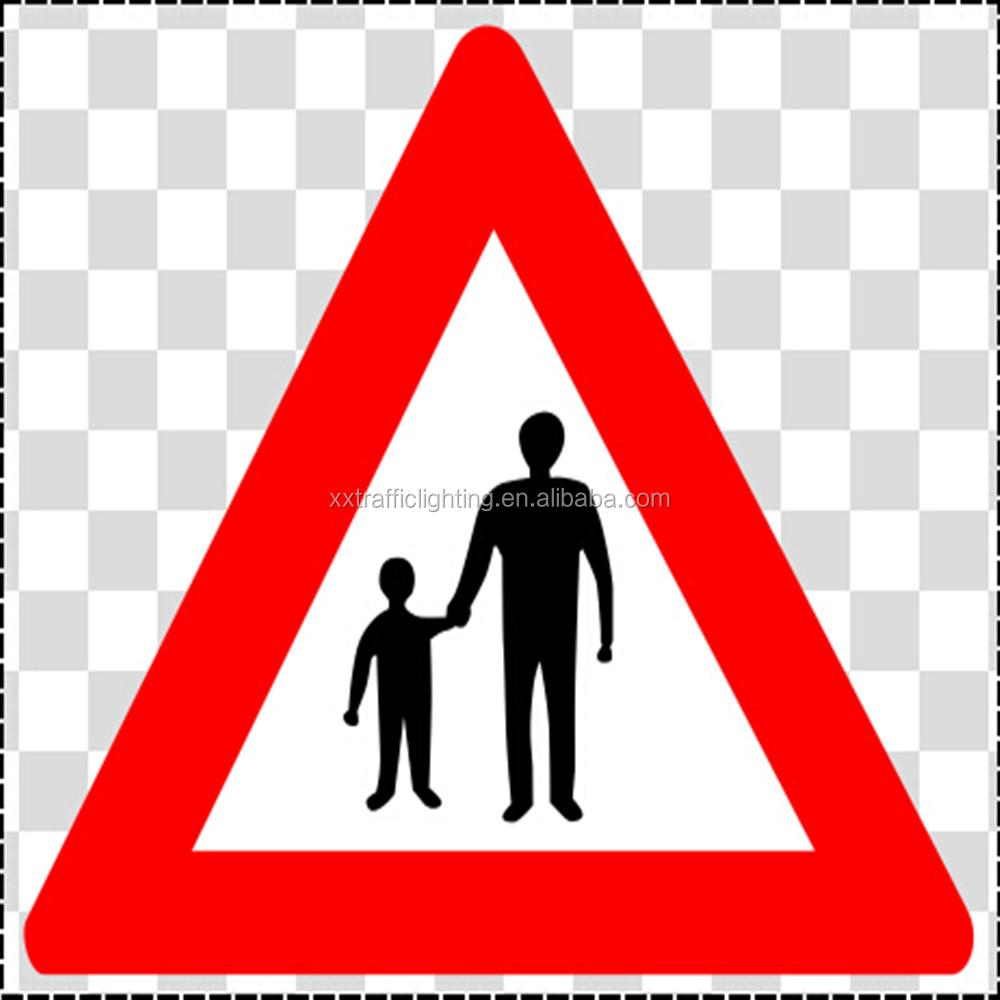 Yolda kırmızı üçgen imzalayın