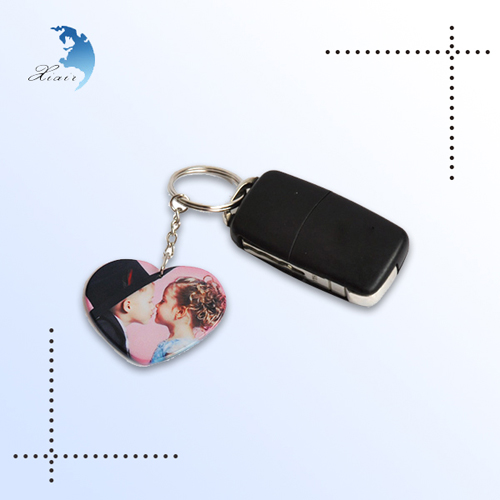 Low price of plastic crafts custom design plastic keychain with good service