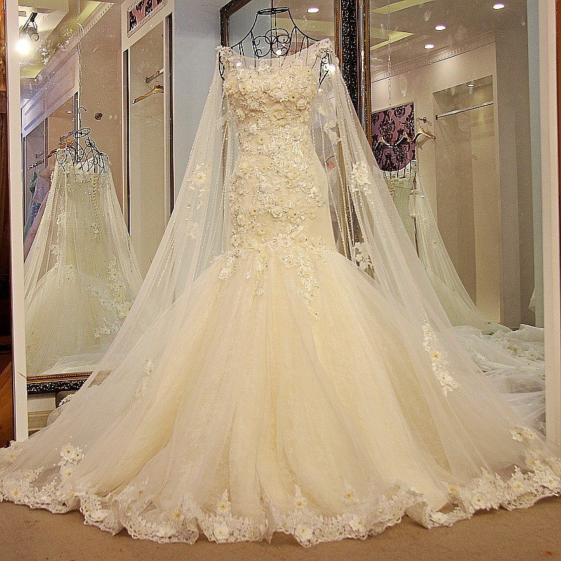 LS54821 Detachable Long Train Appliques Pattern Wedding Dress Mermaid Sexy Lace Model Picture Of