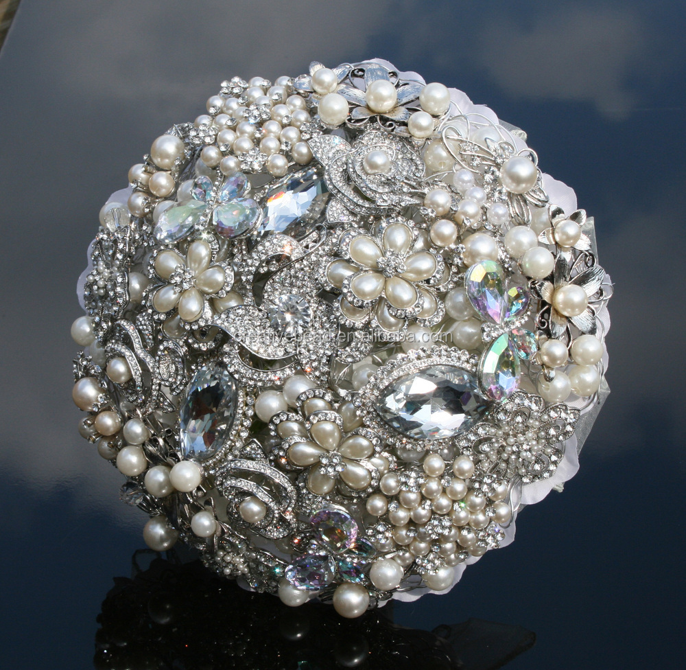 Wholesale Crystal Cluster Brooch Diamante And Pearl Brooch
