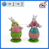 Polyresin easter egg craft with rabbit in lovely design