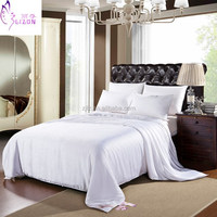 2015 new design bedding sets OME high quality mulberry silk quilt