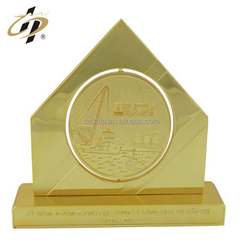 Custom electroplating metal zinc alloy die casting gold plated souvenir plaque trophy