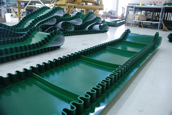 China conveyor belt manufacturer PVC/ PU Cleated Electric Motor Conveyor Belt With Baffle Plate For Food Industry