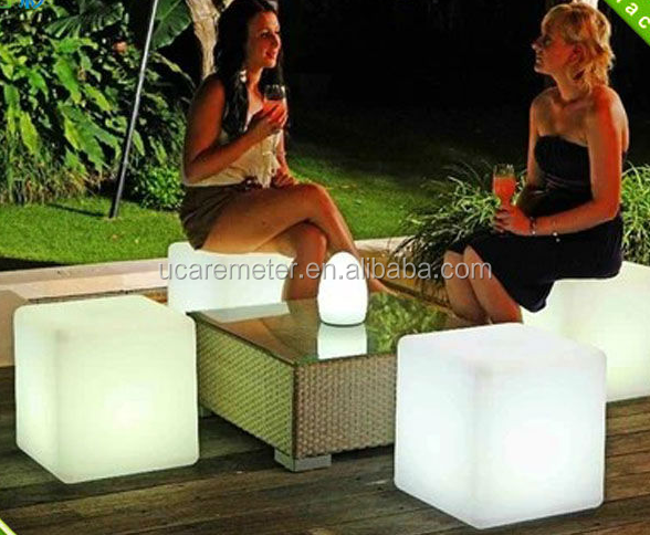 Waterproof IP65 battery powered rechargable RGB full color pe led cube <strong>light</strong> for gardens/home/swimming pool decoration