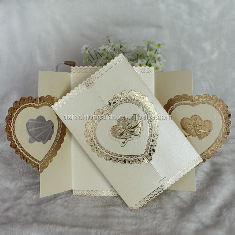 Apribile a Forma di Cuore D'oro In Rilievo Wedding Invitation Card