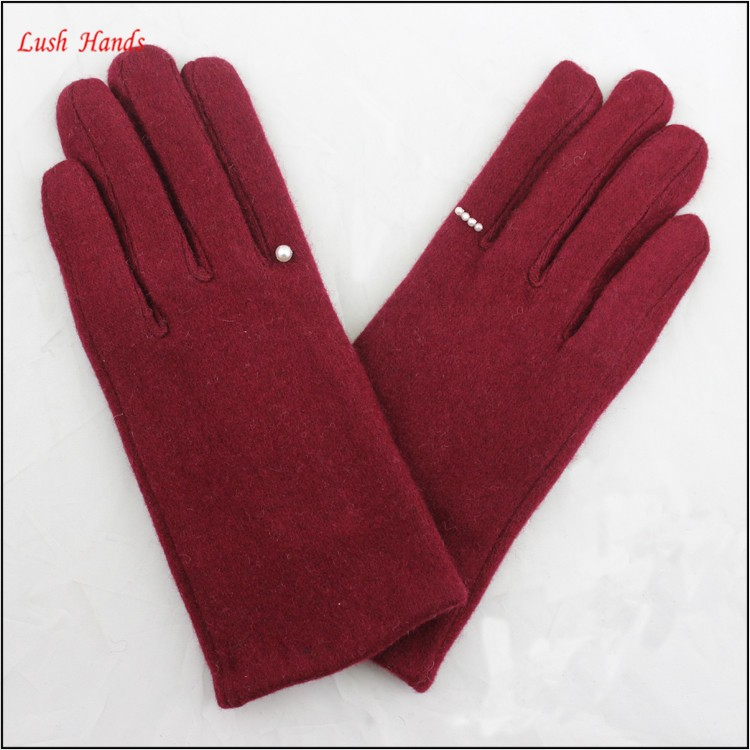 2016 hot sale red woolen gloves with finger ring