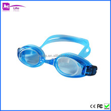 Swim Goggles, Clear Swimming Goggles No Leaking Anti Fog UV Triathlon Swim Goggles with Case for people