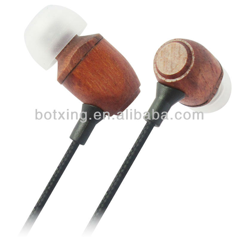 Hot selling in American market wood headphone for free sample