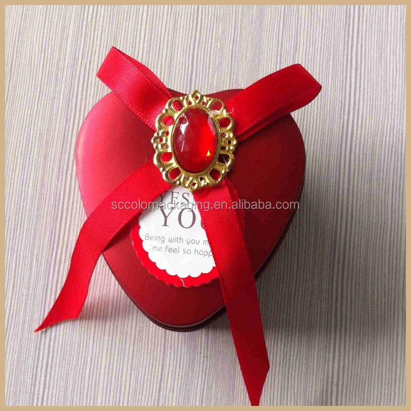dreamly ribbon and decorate ont the top chinese new year candy box ,black and white boxes,heart shape box