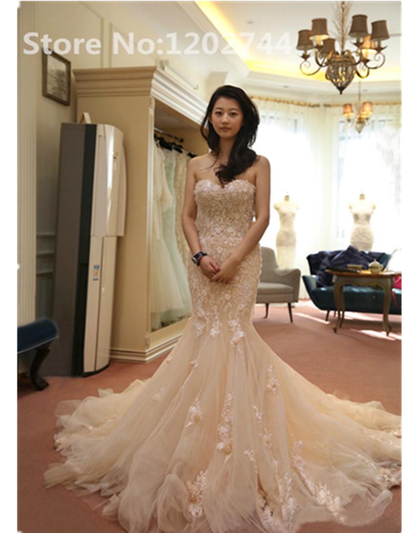 robe de mari e dentelle rose id es et d 39 inspiration sur le mariage. Black Bedroom Furniture Sets. Home Design Ideas