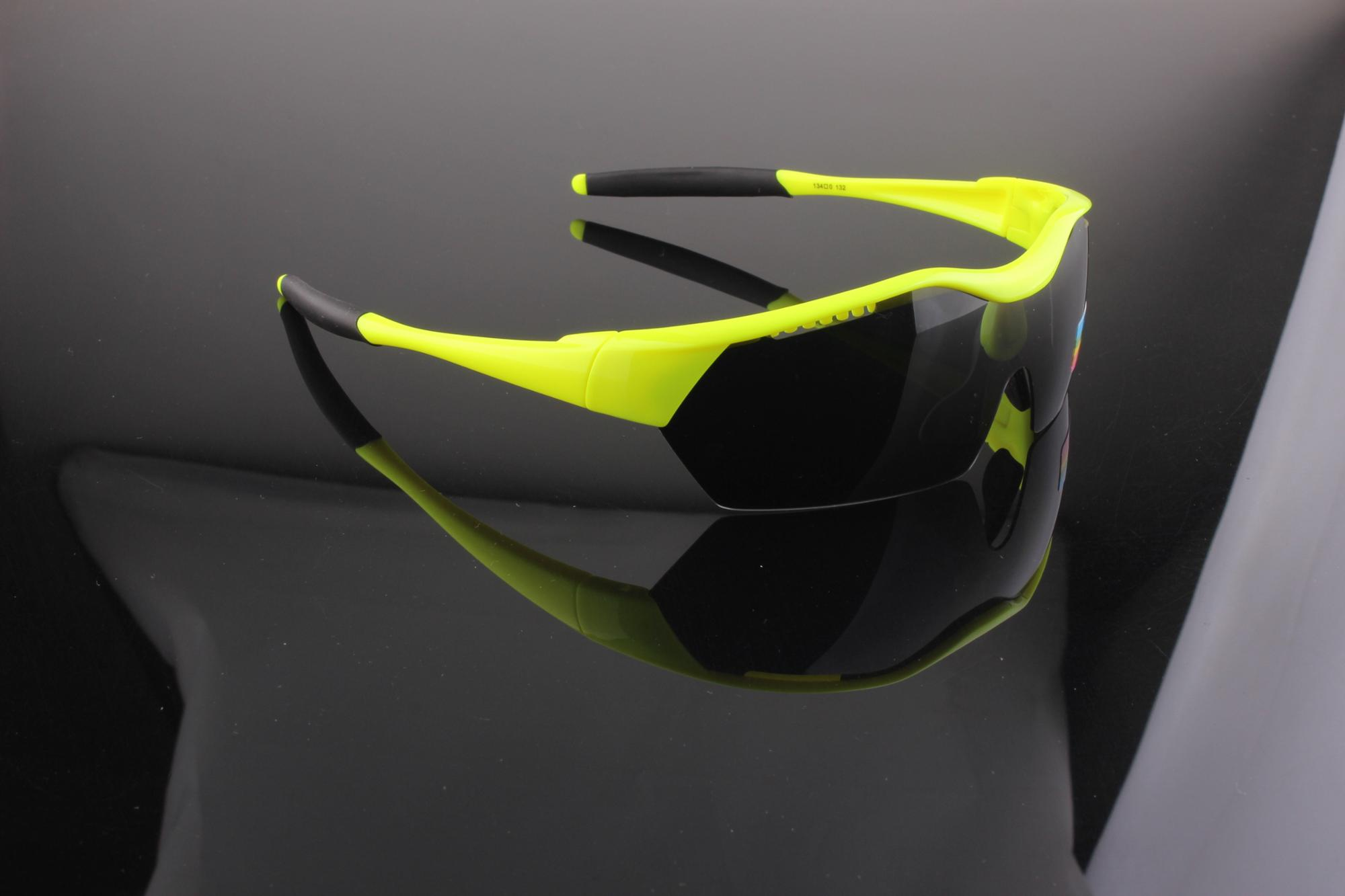 2018 New models wholesale Polarized sport sunglasses Cycling sunglasses 100%UV400 Protection