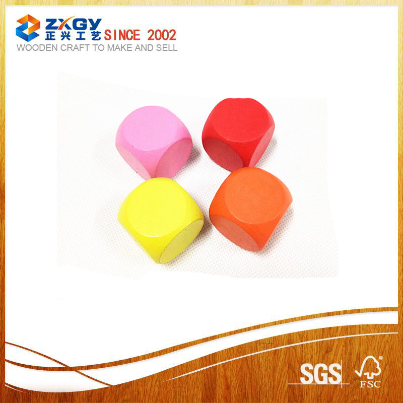 China Factory Supply Popular Colorful Different Size Wood Dices