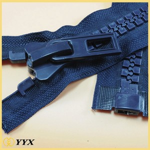 Factory Price Plastic Zips 30# Giant Plastic Zipper for Luggage Bag