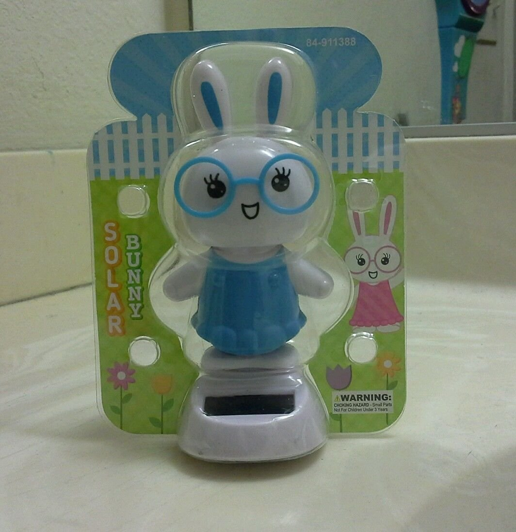 (USA Warehouse) BLUE SOLAR POWER DANCING BUNNY (with glasses)..(?_?).(?_?).(?_?).. **ITEM#NO: 43E8E-UFE6 C2A17276