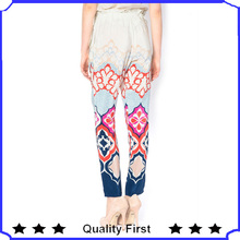 Ladies fashion floral prined seda de colores pantalones capri 2013 shk 152