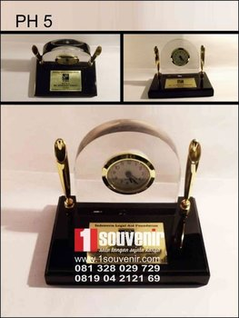 DESK CLOCK DAN PEN HOLDER, JUAL PEN HOSOUVENIR JAMLDER, BIKIN
