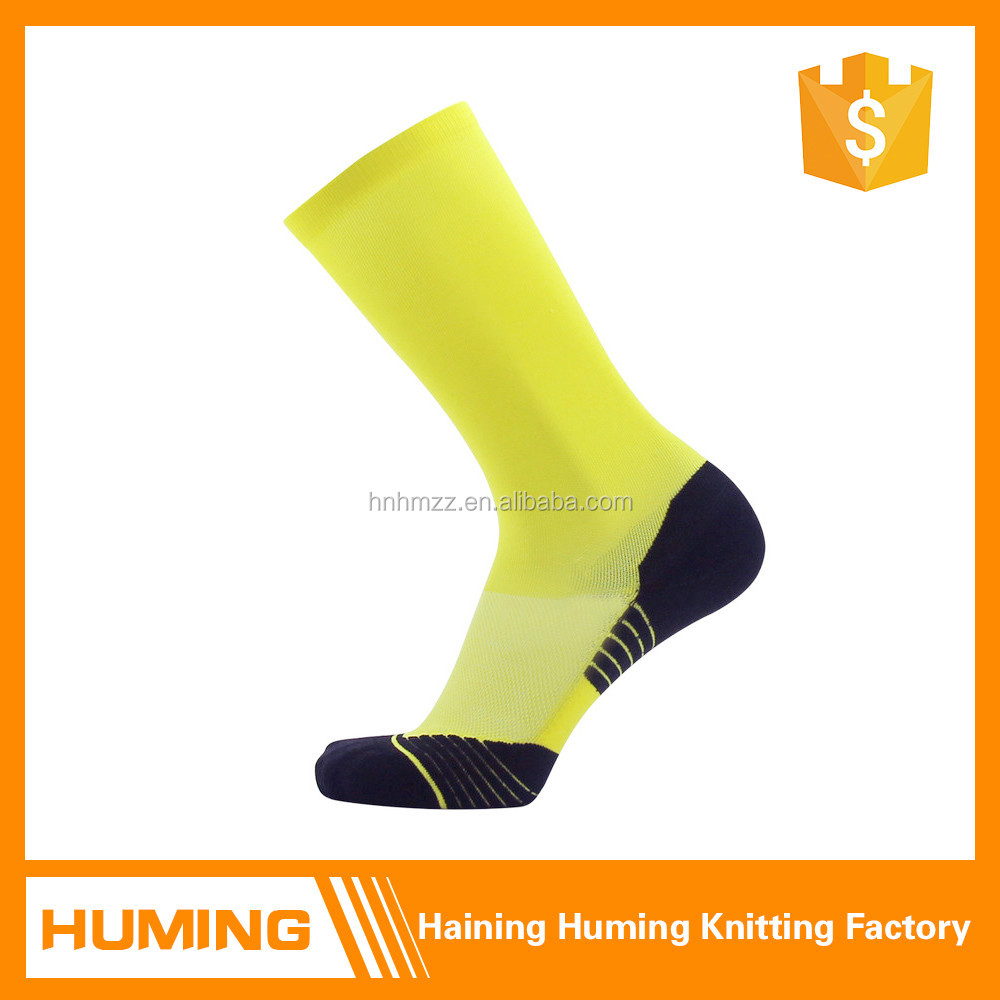 Hot simple solid color men wholesale basketball socks
