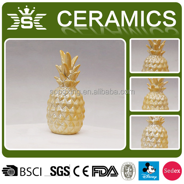 pearl gold home decoration ceramic pineapple