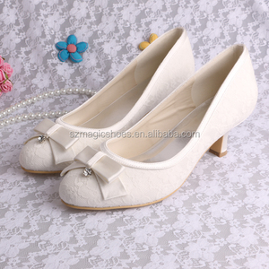 Hot Selling Ivory Bridal Shoes in Low Heel