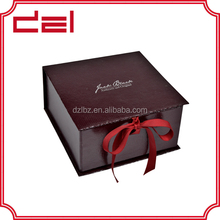 Top quality elegant recycled folding paper gift box with ribbon closure