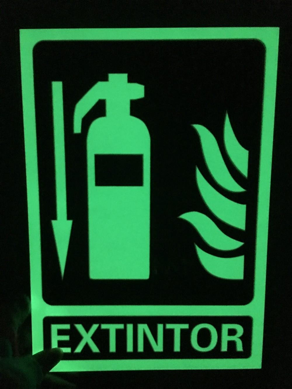 предположение, что изготовление пожарных знаков в фотолюминесцентном каждого нас