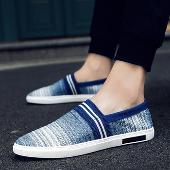 2018 fashion men shoes made in China