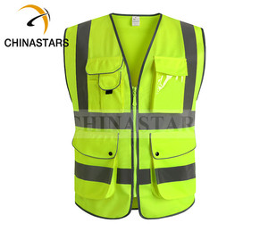 Reflective safety vests with pockets