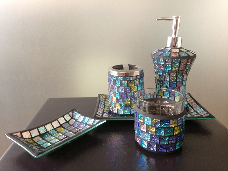 Bright Black Mosaic Crackle Glass Bathroom Accessory Set
