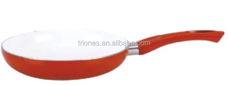 7pcs cast iron cookware in field