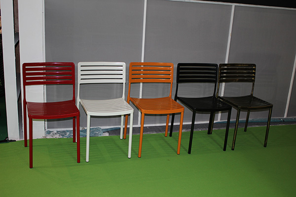 Colorful outdoor metal plates base bistro chair