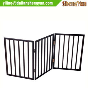 Folding wood pet gate 3 panel