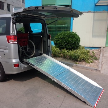BMWR-201 Aluminum Manual Folding Car Motorcycle Wheelchair Ramp For Dongfeng van minivan