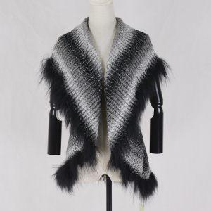 Wholesale women acrylic knitted shawl with raccoon fur trim