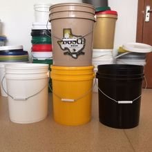 10L transtrant plastic buckets with lids and handles