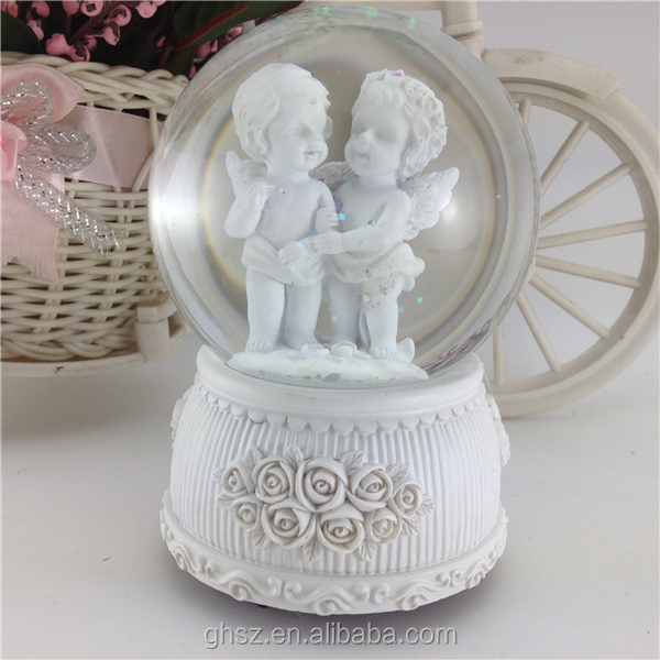 China Supplier Wedding Party Gifts Resin Angel Baby Crystal Ball ...