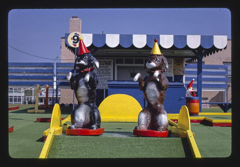 8 x 12 Photo of Old Pro Golf, circus course. Dogs, Rehoboth Beach, Delaware 1985 Margolies, John 40a