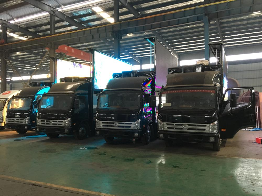 Mobile LED advertising Vehicle Mounted LED Screen Advertising Truck