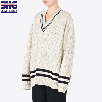 Casual Oversized Wool Blend Cricket V Neck Cable Knitted Sweater For