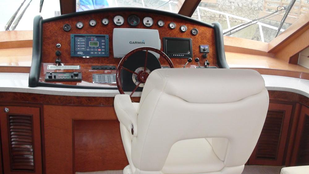 speed runabout luxury motor boats and yachts for sale
