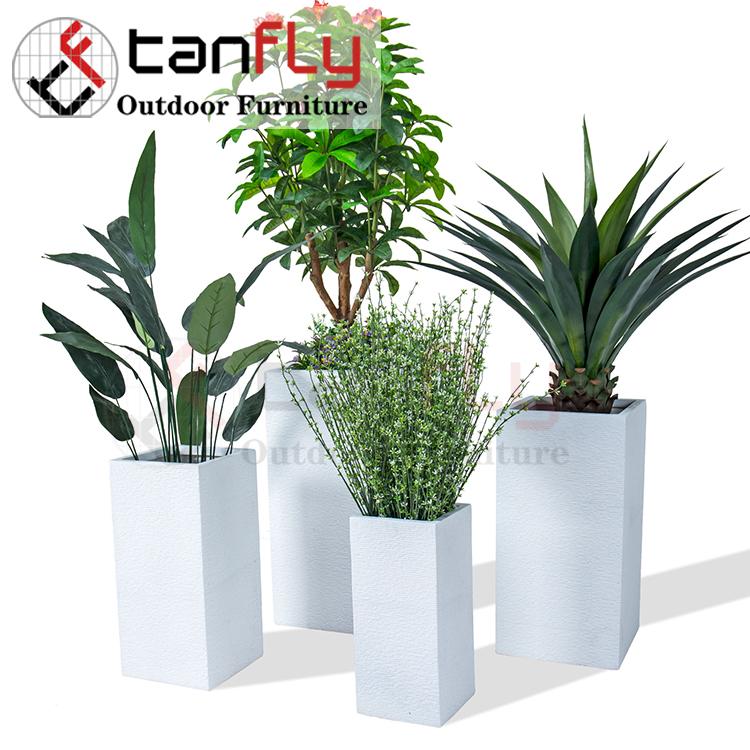 Lightweight Outdoor Co<em></em>ncrete White Decorative Flower Pot