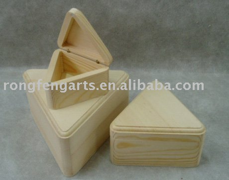 Sedex Audited Factory triangle-shaped wooden jewel box S/3