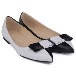 Hot sale new design OEM ODM ladies leather soles flat shoes
