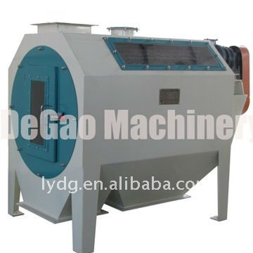 Precleaning machine for ingredient material