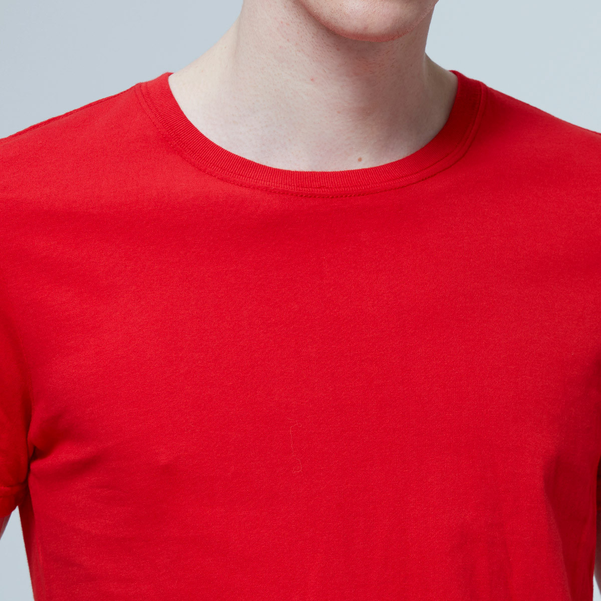 Breathable Sweat Absorbent Men's T Shirt With Round Neck And Short Sleeves
