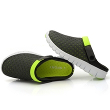 Men's Slippers Sandals Selling Summer Beach Shoe Outdoor Summer Casual Hollow-Out Mesh Breathable Massage Beads Breathable 39-44